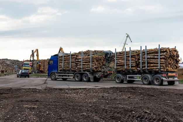 Log truck waiting list for unloading.