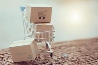 ロジスティクスボックスの包装と木製のショッピングバッグトロリー