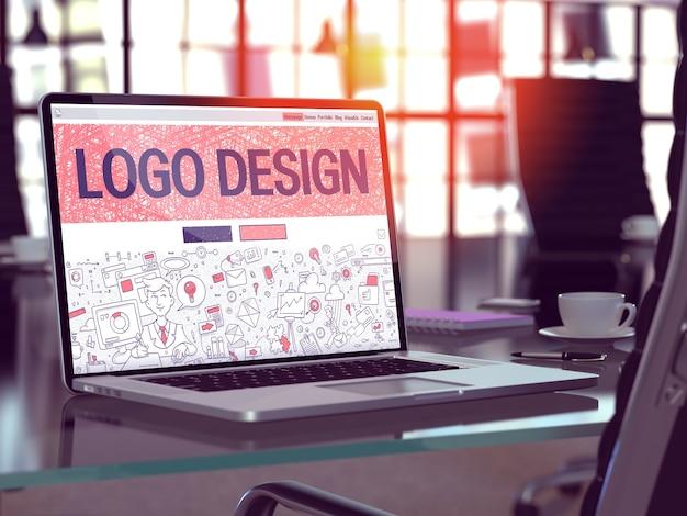 現代のオフィス ワークプレイスのラップトップ画面のランディング ページにロゴ デザイン コンセプトのクローズ アップ。セレクティブ フォーカスのトーンのイメージ。 3d レンダリング。