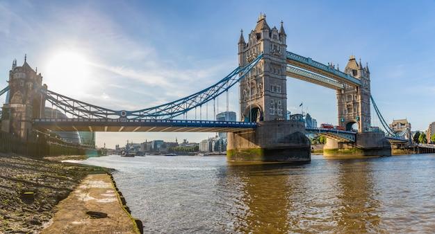London tower bridge panoramic view
