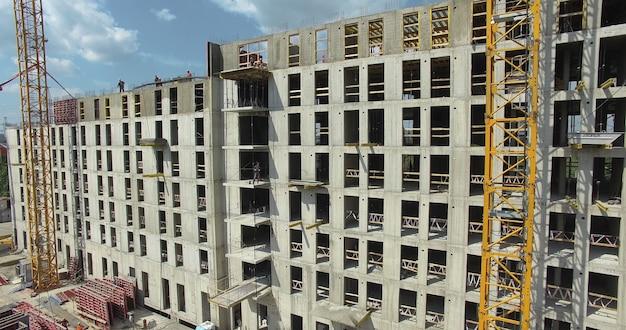 A long building under construction