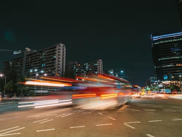 서울 사거리에서 긴 노출