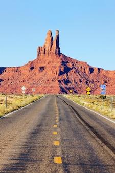Долгая дорога в долину монументов, сша