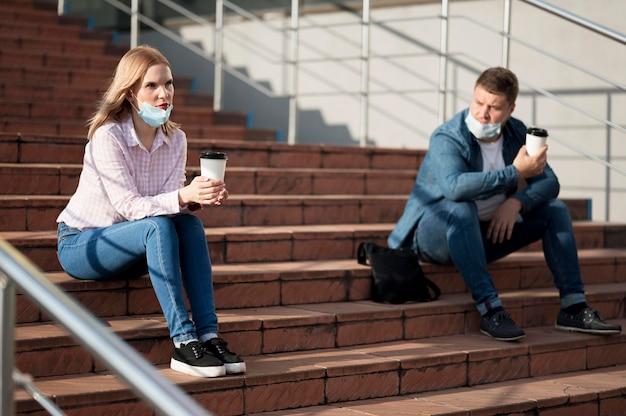 Colpo lungo del concetto di allontanamento sociale