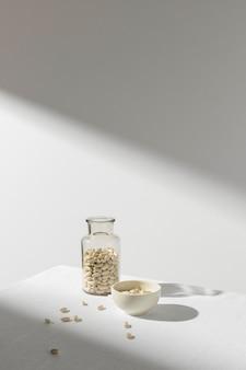瓶と影の豆の長いビュー