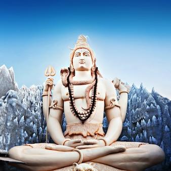 Lord shiva statue Premium Photo
