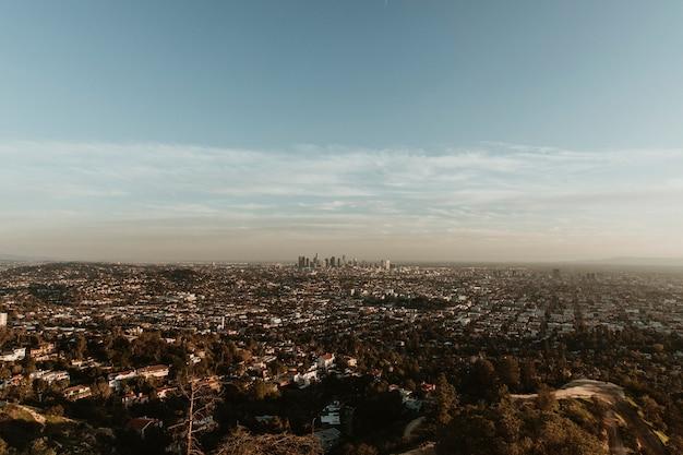 米国グリフィス天文台からのロサンゼルスの眺め