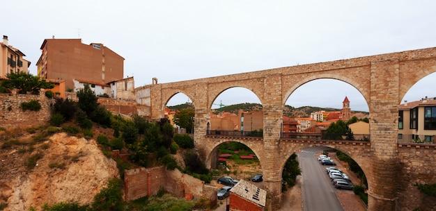 Los arcos aqueduct in summer. teruel