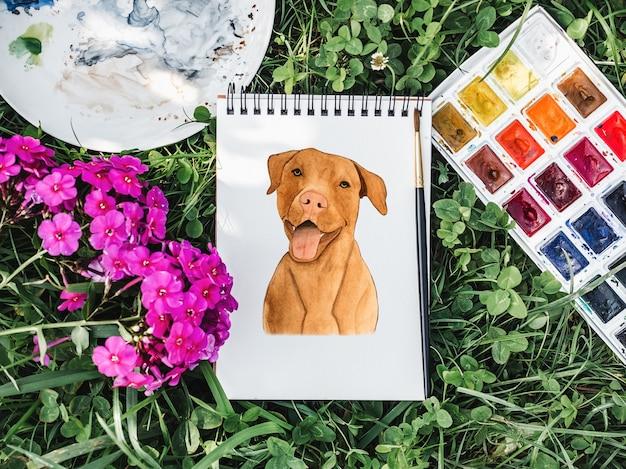초콜릿 색의 사랑스럽고 예쁜 강아지. 수채화로 아름다운 그림. 확대. 돌봄, 교육, 복종 훈련 및 애완 동물 기르기의 개념