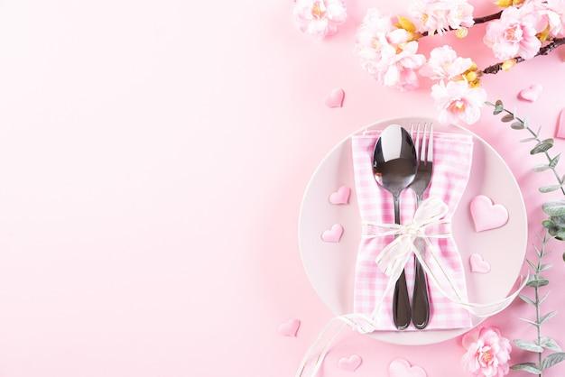 Любовь и день святого валентина концепции.