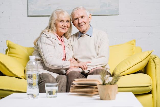 Love concept with senior couple Free Photo