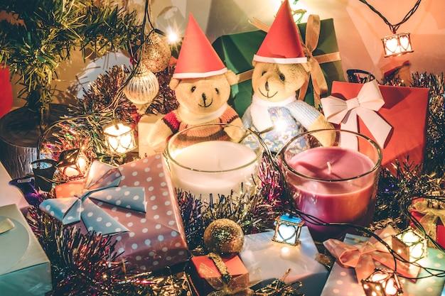 素敵なクマの燭台は、メリークリスマスの夜に装飾クリスマスを飾る Premium写真