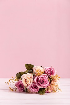 Lovely bouquet of roses copy space