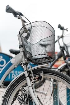 Велосипед с низким углом снаружи