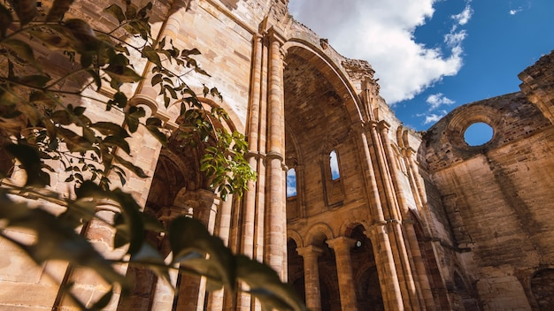 Moreruela 수도원 granja 스페인의 낮은 각도 샷