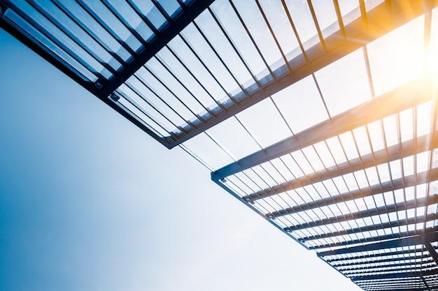 建物の天井の低角度図
