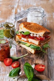 Low-carb bread sandwich