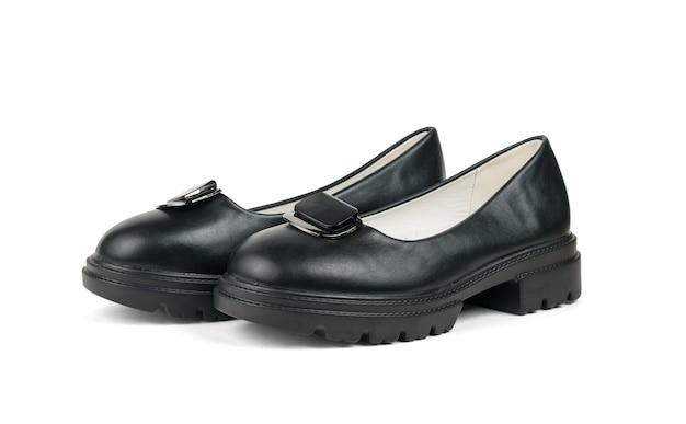 Низкие женские стильные туфли, изолированные на белом фоне. модная обувь.