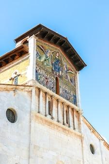Lucca, italy. beautiful architecture of catholic church (basilica di san frediano) in lucca.