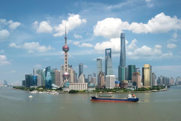 Шанхай lujiazui pudong центральный деловой центр в шанхае, китай.