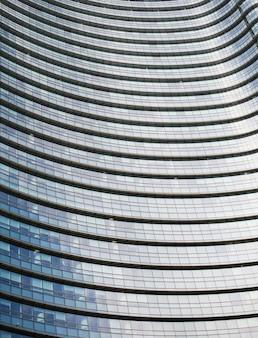 イタリアミラノのlujiazui金融センターの近代的な建物