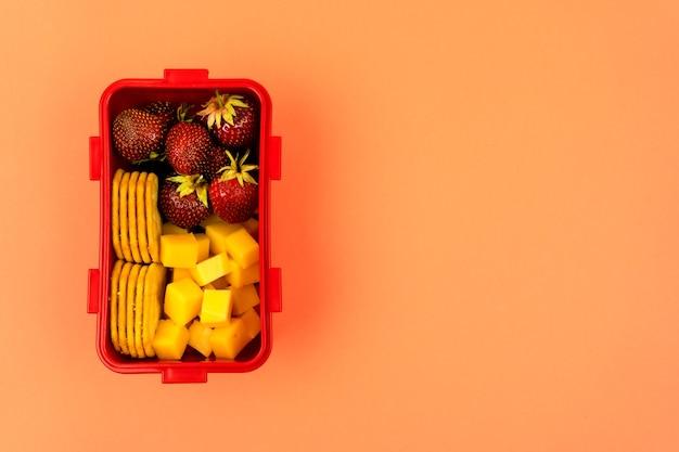 Ланч-бокс из эко-пластика для хранения и транспортировки вкусной и здоровой еды
