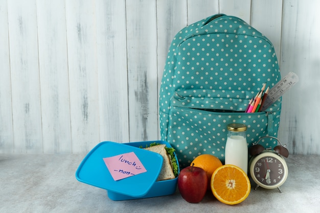 Lunch box to school