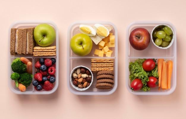 Assortimento di scatole per il pranzo sopra la vista