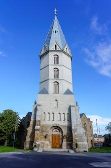 나르바 에스토니아의 도시에 있는 루터교 알렉산더 대성당.