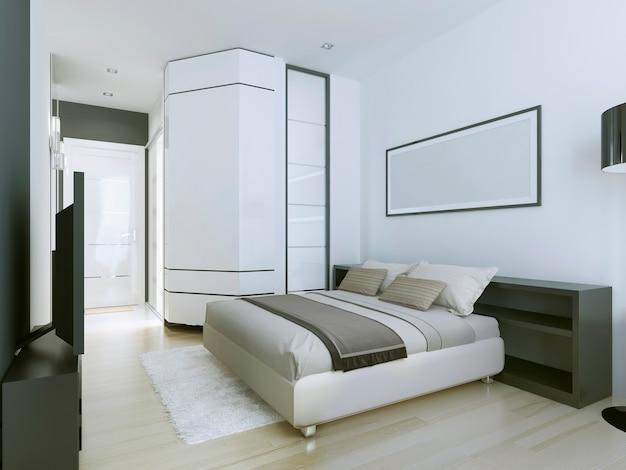 흰색의 현대적인 거주지에서 고급스럽고 넓은 마스터 침실