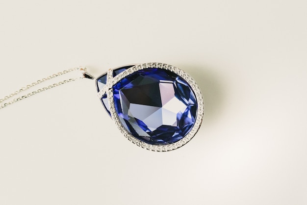 Luxurious blue sapphire jewel necklace