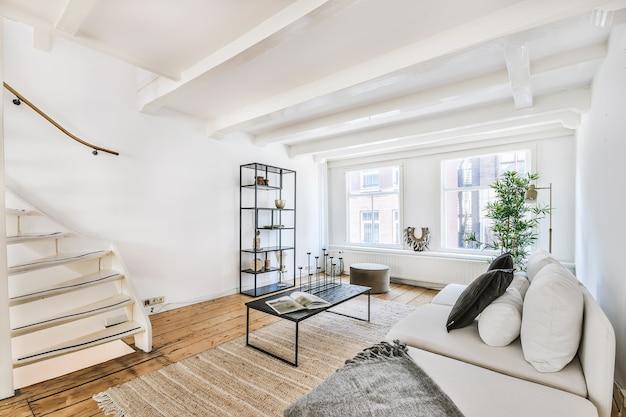 Роскошный и красивый дизайн интерьера гостиной