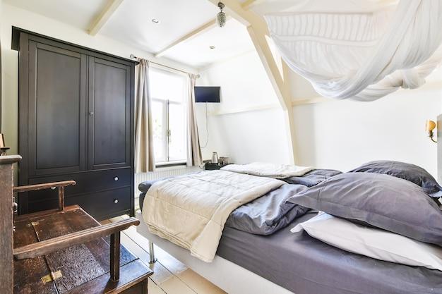 아름다운 디자인의 집의 럭셔리 침실