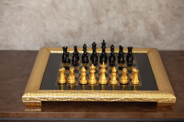 家のための豪華なチェス盤の装飾