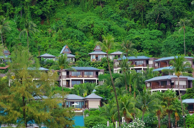 바위에있는 럭셔리 호텔