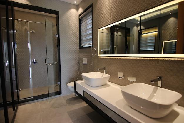Luxury and modern classic washroom