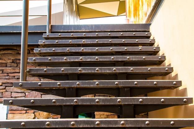 고급 사무실 건물, 실내 계단 실내 장식