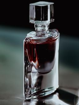 高級香水瓶の美容と化粧品
