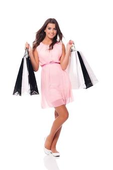 Shopping di lusso con una bella donna