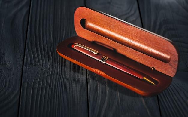 Роскошная деревянная ручка в футляре