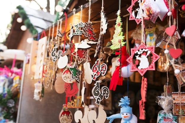 Lviv, ukraine - january 1, 2017: christmas fair in lviv, ukraine. tourists can buy festive souvenirs, presents. january 1, 2017 in lvov, ukraine