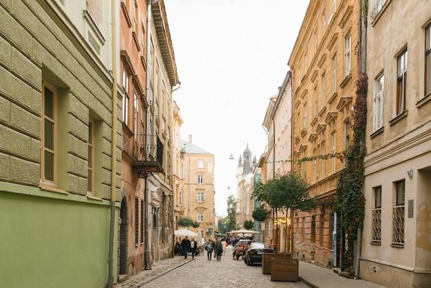 리 비우, 우크라이나. 2020 년 3 월. 오래된 관광 도시의 자갈길