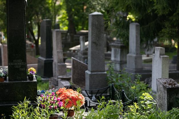 リヴィウ、ウクライナのリチャキフ墓地