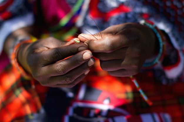 Ювелирные изделия ручной работы и этнические украшения масаи