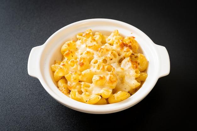 マカロニアンドチーズ、チーズソースのマカロニパスタ-アメリカンスタイル