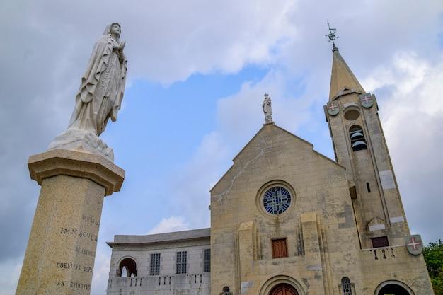 마카오, 중국 - 2020년 4월 2일: 마카오의 colina da penha 꼭대기에 있는 our lady of penha 교회