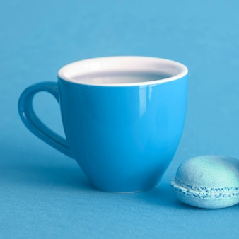 Macaron and cup