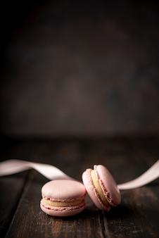 Macarons с лентой и копией пространства