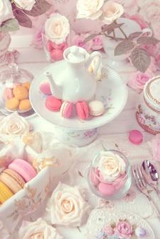 Macarons или миндальное печенье десерт сладкий красивый, чтобы поесть