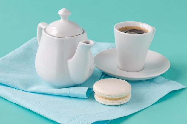 マカロンとエスプレッソのコーヒー